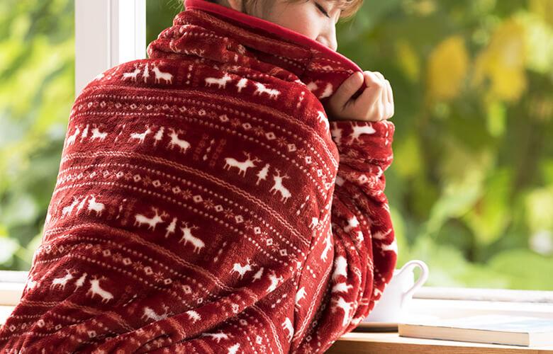 着る毛布!平面ブランケットより暖かく癒される冬の部屋着!MOCOAがおススメ!